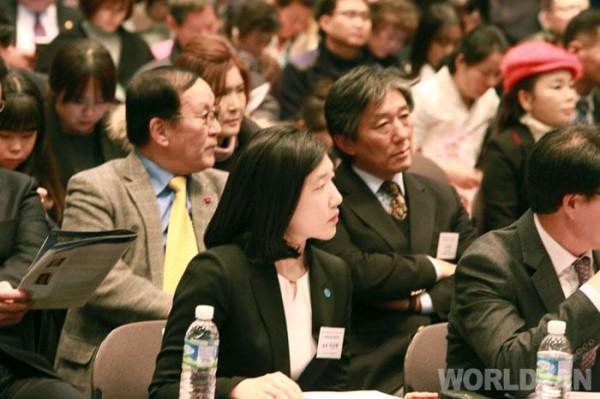사진-3-세계청년리더총연맹은-2017년-12월-19일-한국프레스센터-20층-국제회의장에서-